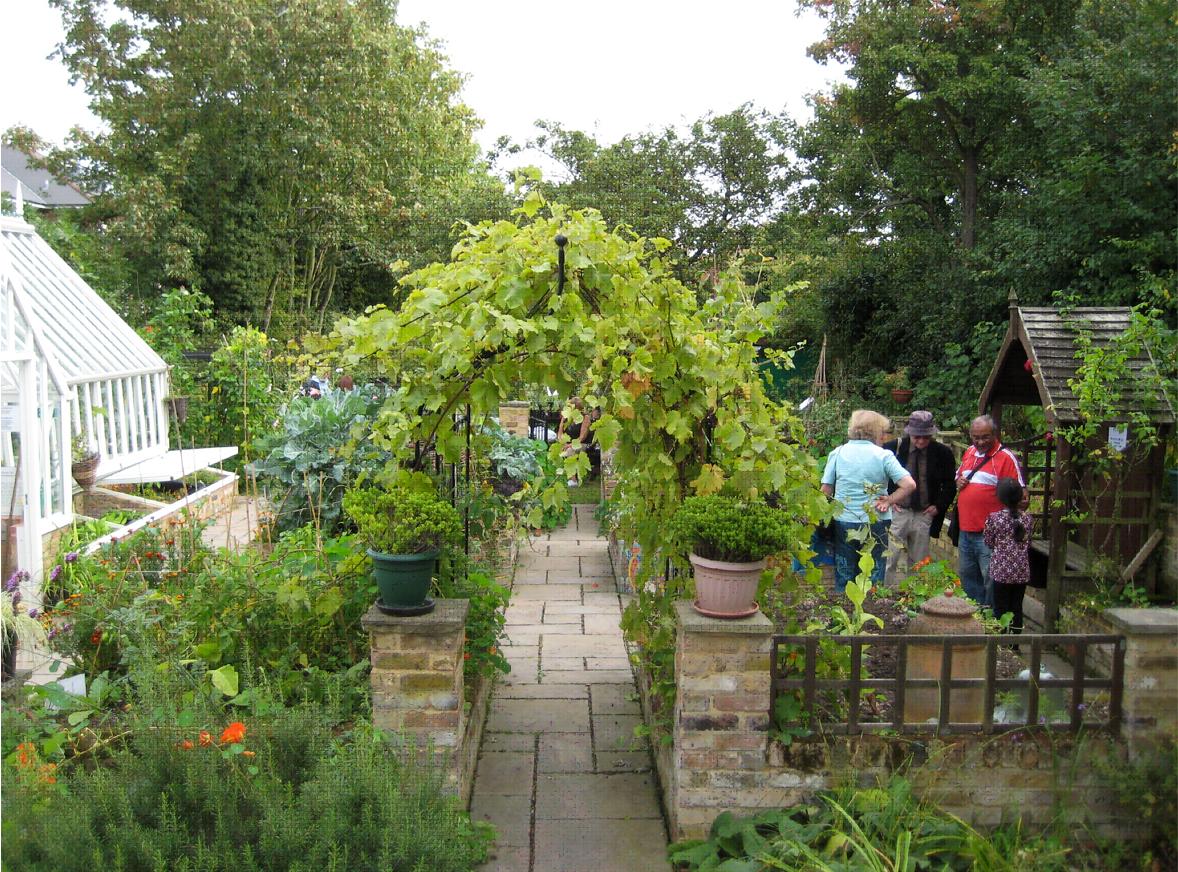 community gardening. Categories: Community Engagement, Composting, Garden Waste | Tags: Garden, Gardening, Green Flag Awards, Gardening