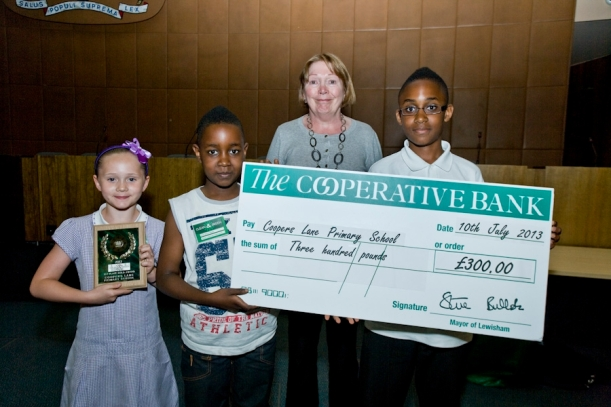 Maisee, William and Kennedy from this years winning school, Coopers Lane pictured with Cllr Susan Wise.