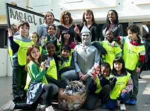 Children from Myatt Garden Primary School, teachers, representatives from the MetalMatters campaign and WRAP and special guest the Tin Man.