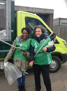 Cllr Rachel Onikosi and Heidi Alexander MP get ready for some litter picking