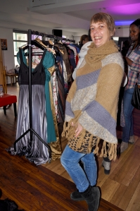 This happy swisher had her eye on this shawl since the promotional events earlier in the week and was thrilled to be it's new owner at Friday's event. She was so happy, she came back later in the day for a second swish!
